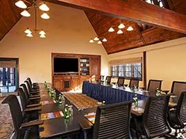 Alumni Room — U-Shape Setup